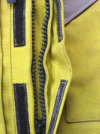Standard Roadcrafter main entry zipper.